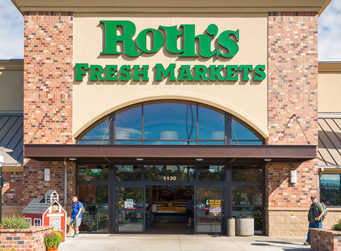 Roths Fresh Markets Vista in Salem, Oregon